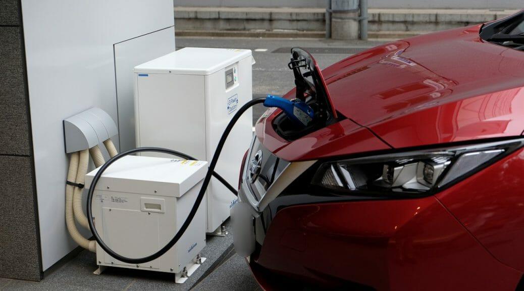 トライブリッドと電気自動車の接続想像図(写真は従来型V2H)