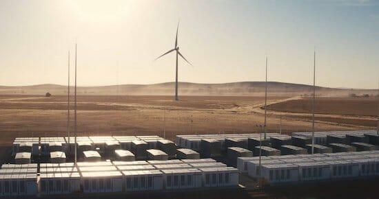 テスラが豪州南オーストラリア州に設置した大規模蓄電池た大規模蓄電池