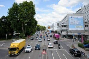 シュトゥットガルト市のNekartor地区。ここでは、大気汚染の最も深刻な数値が毎回測定されている。THE LOCAL.deのサイトより転載。