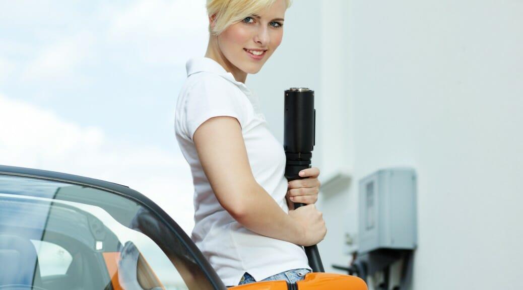 電気自動車を買うには自宅に電気工事が必要?