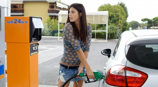 結局電気自動車にすると自宅の電気代が上がるからガソリン代より割高じゃない?