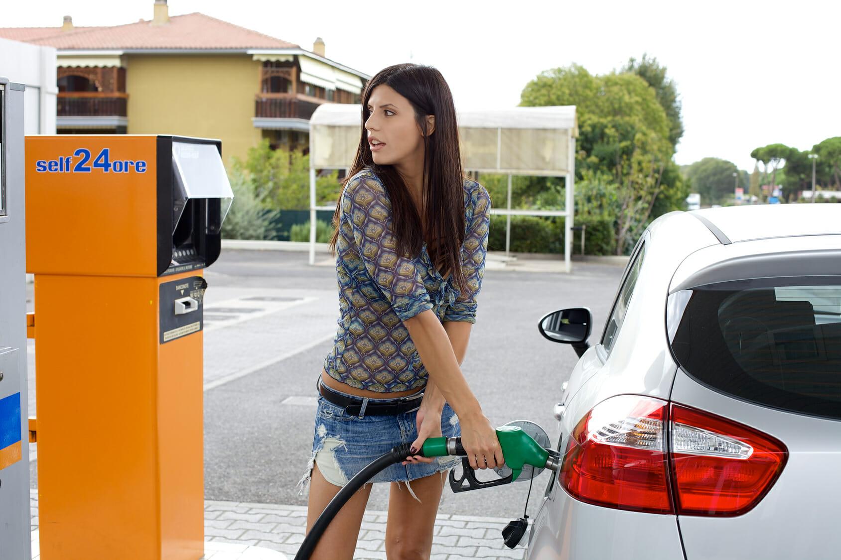 結局電気自動車にすると自宅の電気代が上がるからガソリン代より割高じゃない?   EVsmartブログ