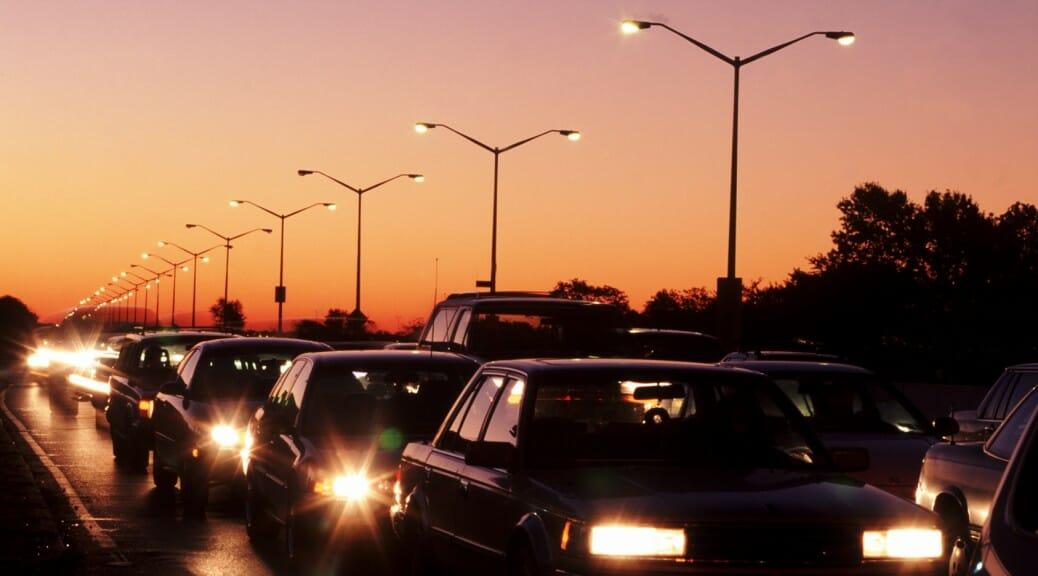 電気自動車の充電スポットは混雑していて、待たなきゃなんない?