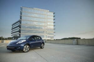 2016_nissan_leaf_05_small