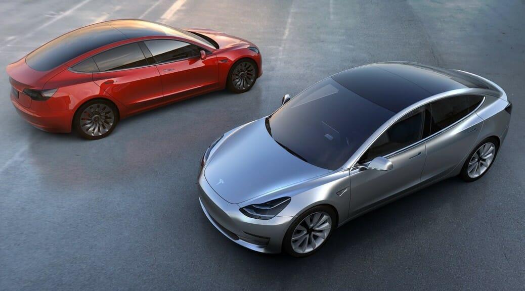 テスラ「モデル3」420万、344kmの電気自動車が発表(速報)