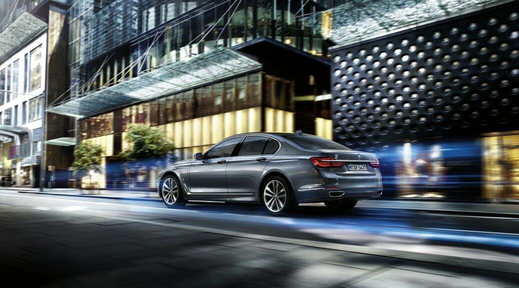 BMWが740e iPerformance PHEVを発表・発売開始