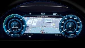 e-Golf Premiumのデジタル・メーター・クラスター「Active Info Display」のイメージ。これは欧州仕様車のもの。