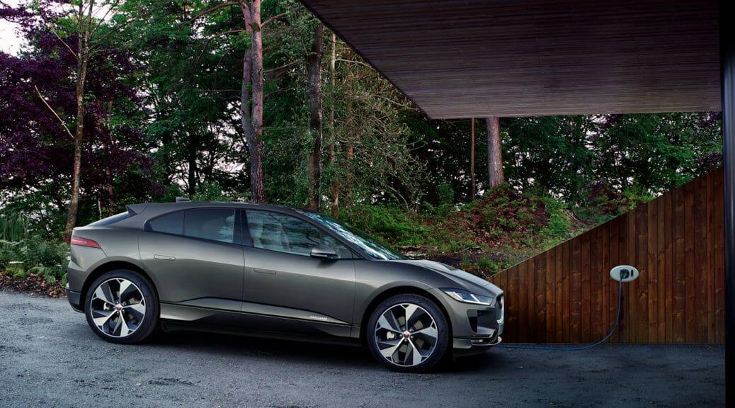 Jaguar I-Paceの充電中のイメージ。同社の公式サイトより転載。
