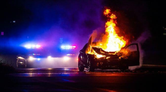 電気自動車はガソリン車に比べて火災を起こしやすいのか?