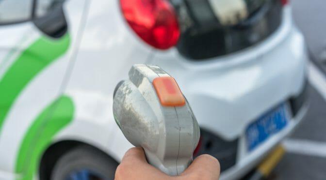 Electrify America社が独・Hubject社と提携し、充電器に繋ぐだけで認証可能なサービス開始へ