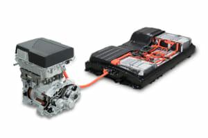 日産LEAF e+のモーター、インバーターなどと蓄電池。日産の公式サイトより。