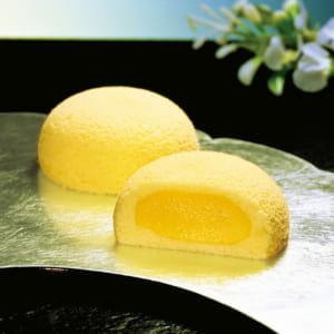 仙台と言えば「萩の月」はお馴染みですね。菓匠三全の公式サイトより転載。