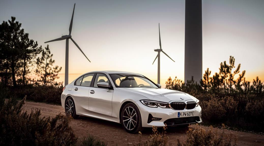新型BMW 330e M Sport の注文受付開始〜先進運転支援システムも搭載