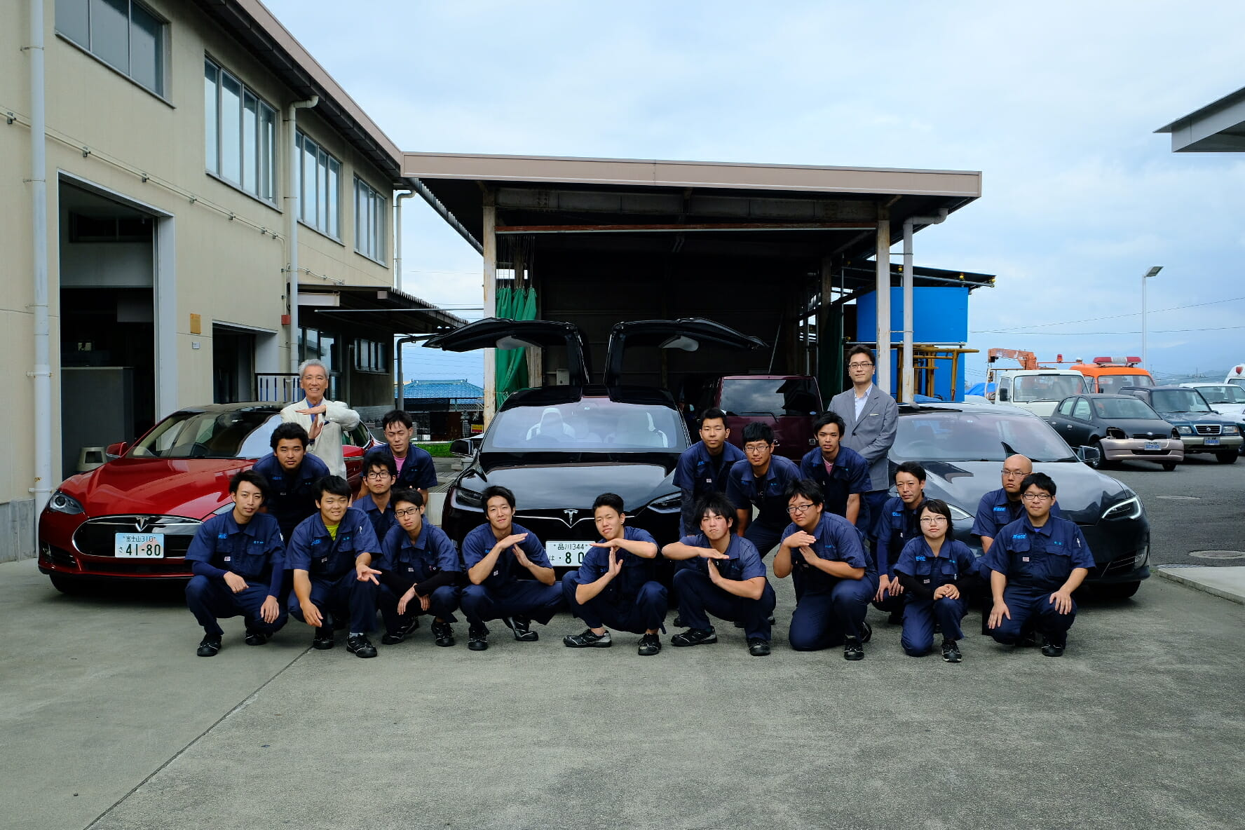 "The test ride session concludes the in-house lecture. In the group photo, some students caught on to the ""Tesla pose."""