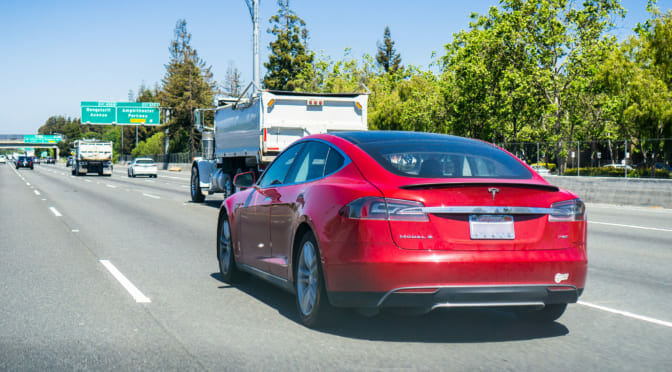 カリフォルニア州で電気自動車の市場シェアがハイブリッド車を超えた