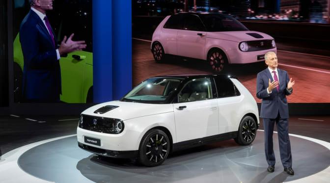 電気自動車『HONDA e』の量産モデル発表。スモールカーの歴史を変える1台になる!?