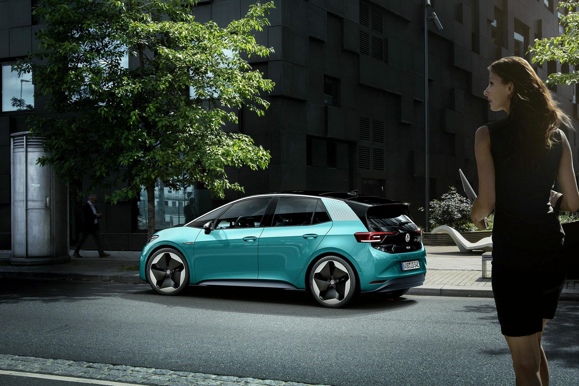 フォルクスワーゲン『ID.3 1st』発表〜電気自動車が大衆車になる時代の先駆けか