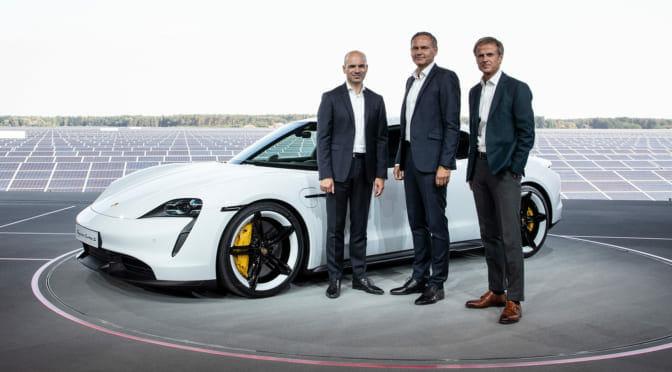 ポルシェ初の完全電気自動車『タイカン(Taycan)』をワールドプレミアで発表。第一印象は「すごいっ!」