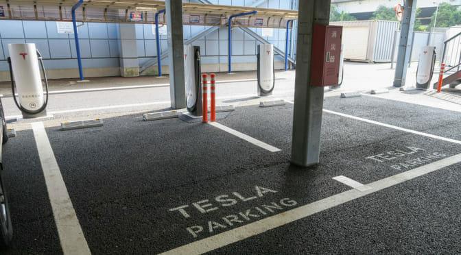 東京ベイにテスラ「スーパーチャージャー」オープンで浮き彫りになる日本国内急速充電の切ない現状