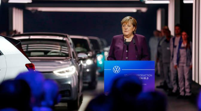 VWが電気自動車『ID.3』生産開始。首相出席の式典で示された「本気」の度合い