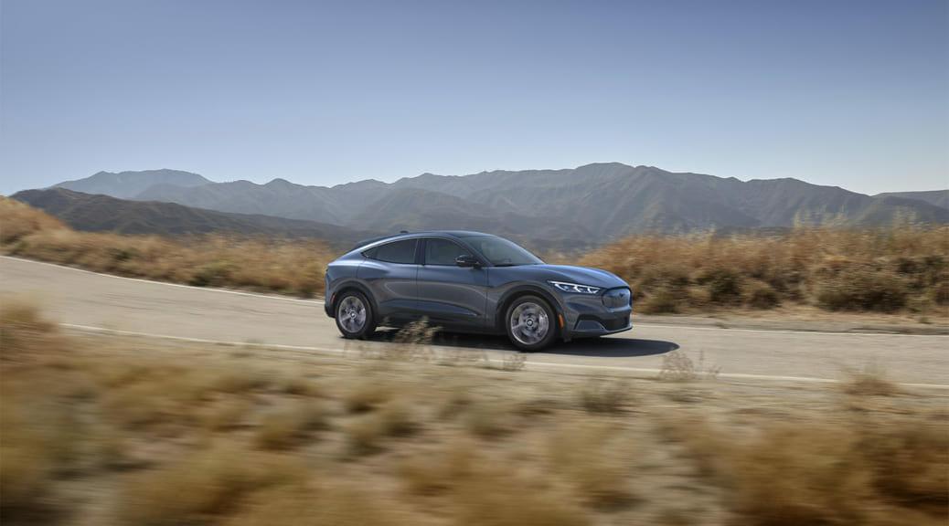 米フォードが初のBEVを投入へ 〜 テスラ・モデルYとガチンコか