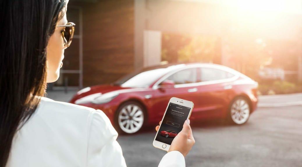 ハッキングコンテストの自動車部門にテスラがモデル3を提供