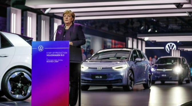 フォルクスワーゲンCEO「電気自動車への移行を早めないとNokiaの二の舞になる」