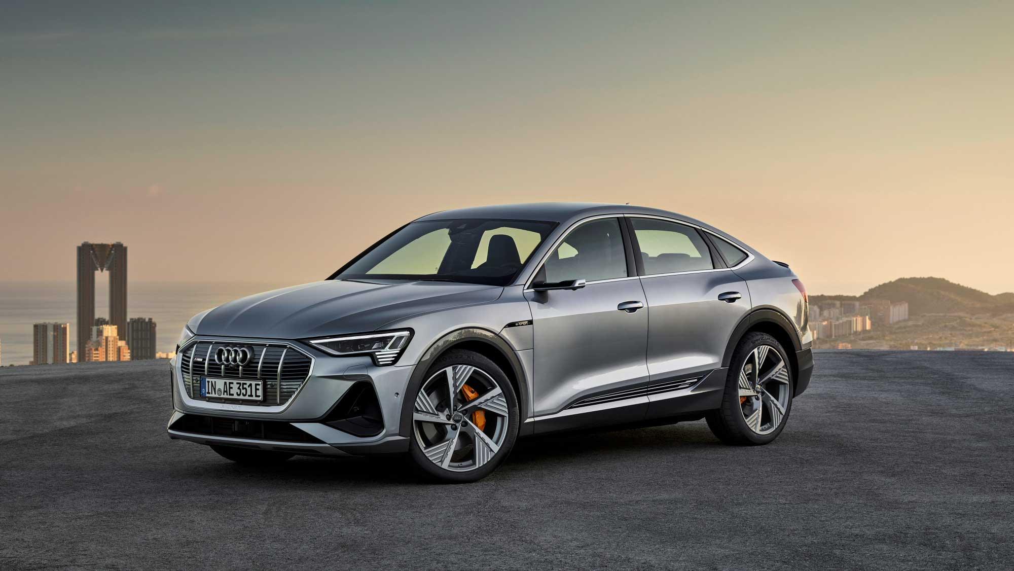 アウディの電気自動車「e-tron」にスポーツバックが追加 | EVsmartブログ