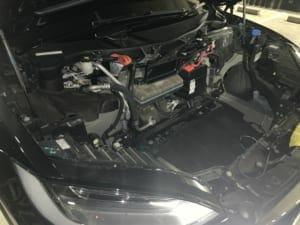 モデルXのフロントトランクとHEPAフィルターを取り外した状態