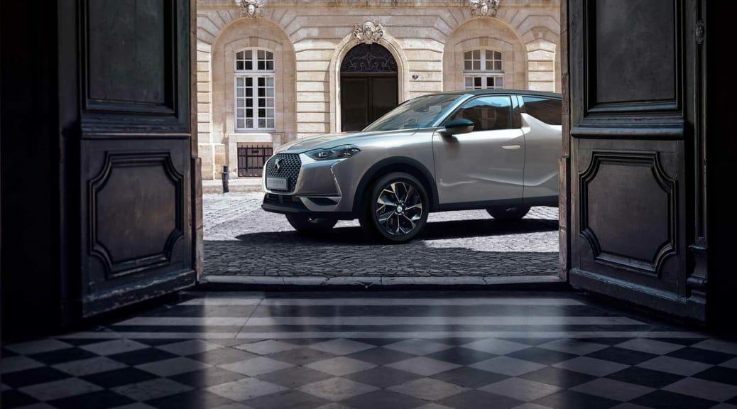 SUV電気自動車『DS3クロスバックE-TENSE』日本発売を発表〜バッテリー容量50kWhで499万円〜【塩見 智】