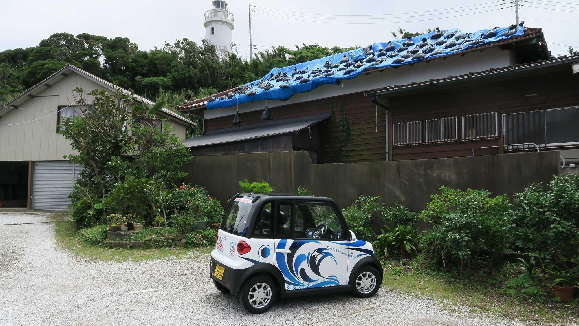 洲崎灯台下の駐車場に到着。まだ台風被害の跡が残ってました。