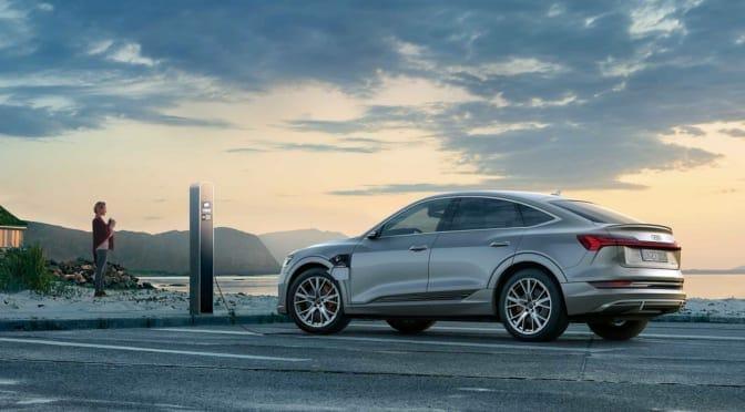 アウディが日本市場初の電気自動車『Audi e-tron Sportback』発売を発表/価格は1327万円〜