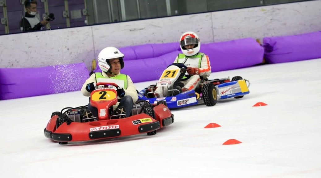 氷上電動カートレースにEVsmartブログチームも挑戦!〜室内でモータースポーツを楽しめる