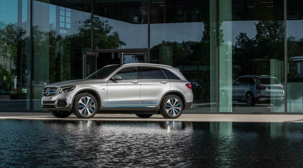 プラグインハイブリッドの燃料電池自動車〜メルセデス・ベンツ『GLC F-CELL』試乗レポート【諸星陽一】