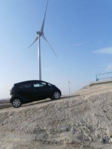 風力発電の風車と、とうがらしさんのi-MiEV G