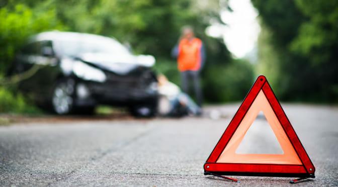 テスラ『モデル3』が大破事故〜運転手は現場から軽傷で立ち去る