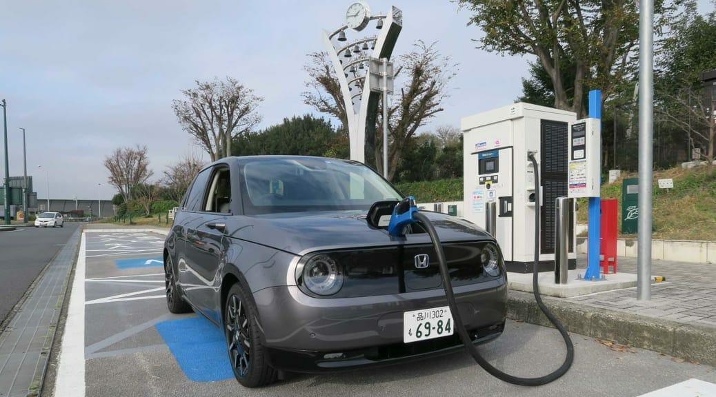 Honda e(ホンダe)の急速充電速度を90kW器でしつこく検証してみました