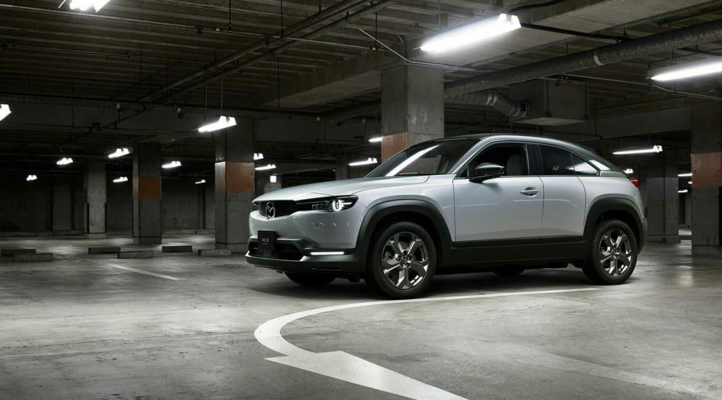 マツダが電気自動車『MAZDA MX-30 EV MODEL』を日本発売〜販売計画は年間500台