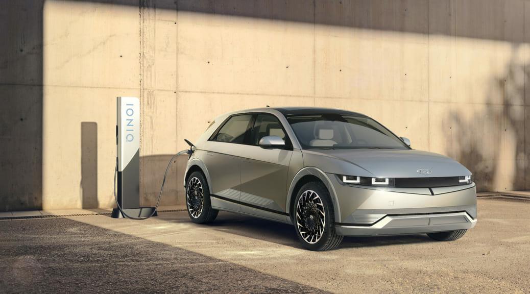 現代の電気自動車『IONIQ 5』がワールドプレミア〜予約サイトがダウンするほど大人気?