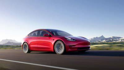 Tesla drops the Model 3 price by up to 14k USD in Japan
