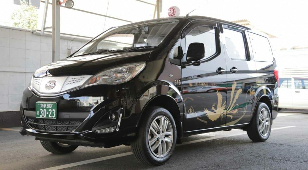 京都の都タクシーがエネオスのEVリース事業と連携してBYDの電気自動車『M3e』を導入