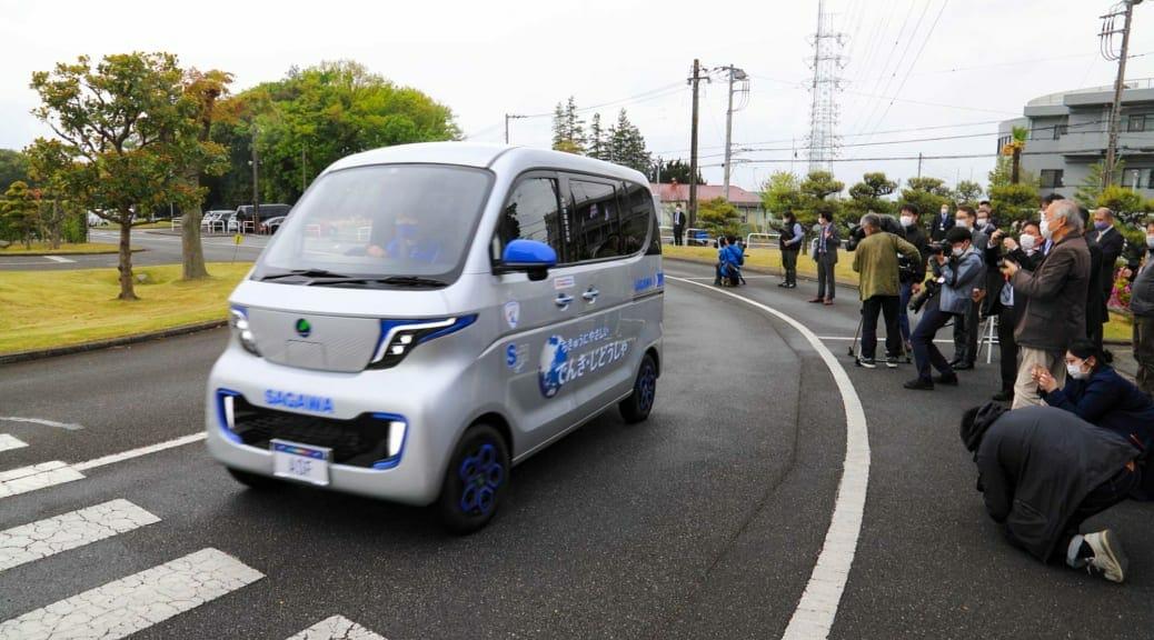 佐川急便が開発中の軽EV宅配車をお披露目〜計画通り実現すれば日本は変わる!