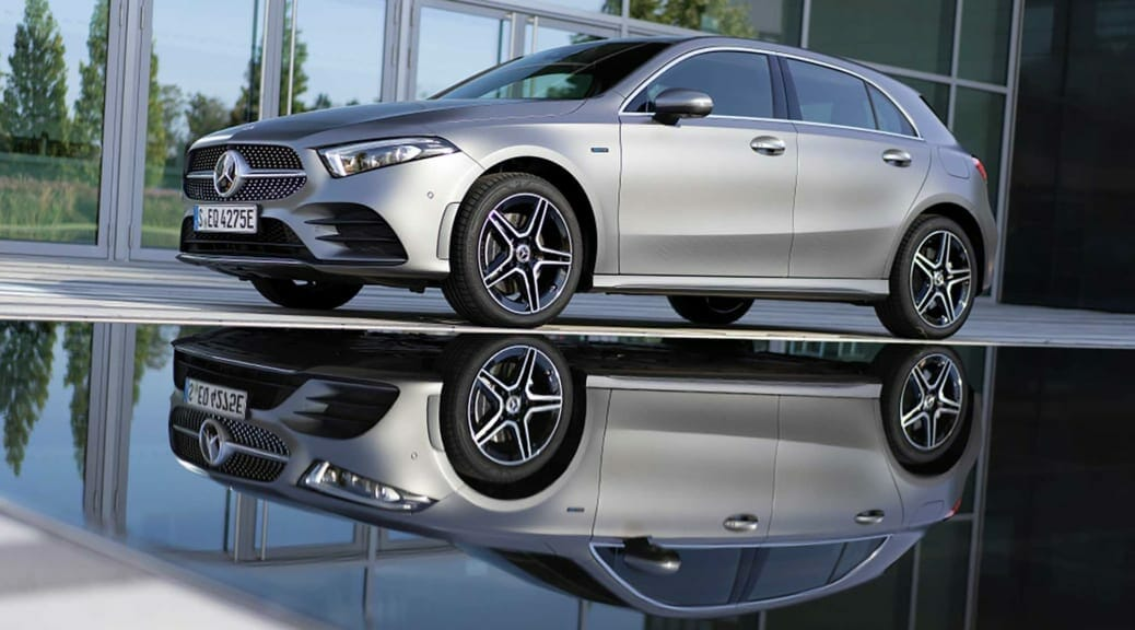 メルセデス・ベンツがプラグインハイブリッドモデル『A250e』を日本発売〜急速充電に対応