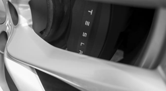 テスラ モデルX フロントサスペンション交換とリアモーター交換など