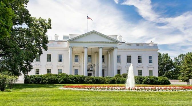 バイデン大統領が2030年に新車の50%を電気自動車にすると発表、のポイントを考察