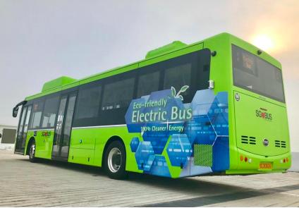パンタグラフで450kWの超急速充電可能〜シンガポールが導入した電気バス